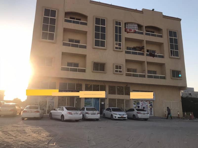 بناية للبيع بعجمان ثاني قطعه من شارع الحميدية موقع مميز دخل مناسب