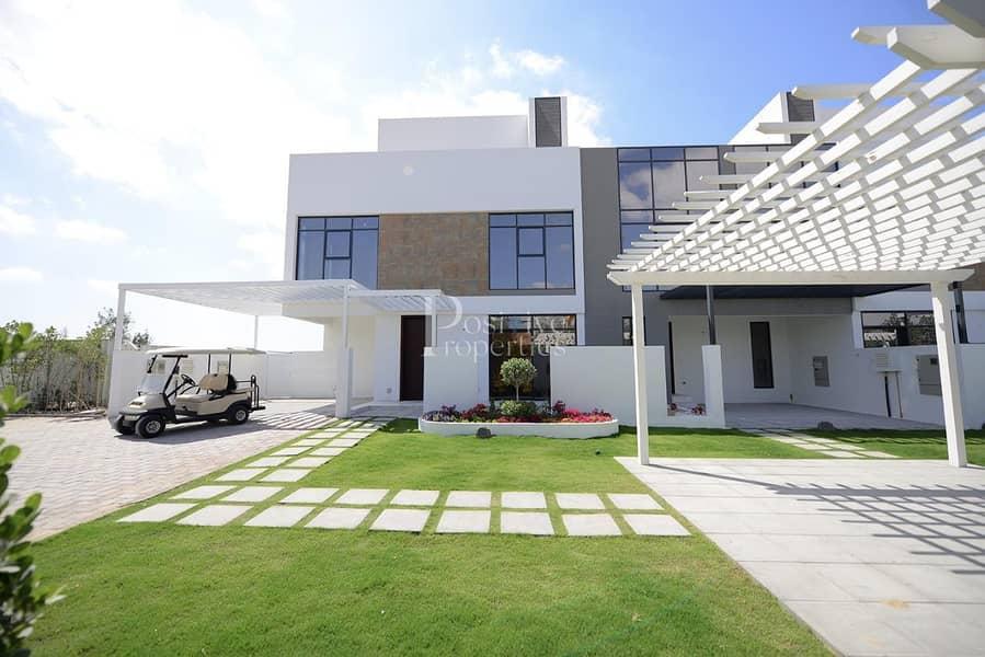 2 Wide Corner Garden View | Jumeirah Luxury | 4BR+M