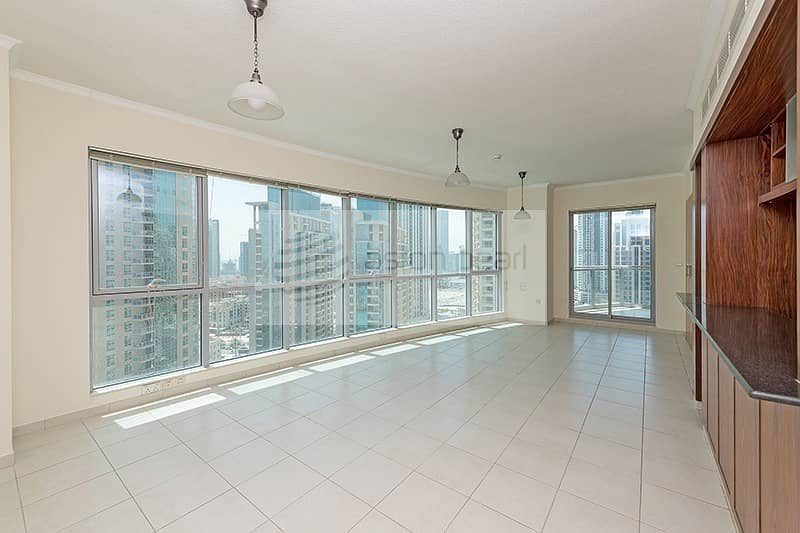 Lake View    Motivated Seller   1 Bed with Balcony