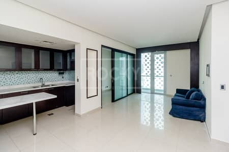 1 Bedroom Apartment for Rent in Business Bay, Dubai - Spacious 1Bed | plus Study Room | Business Bay