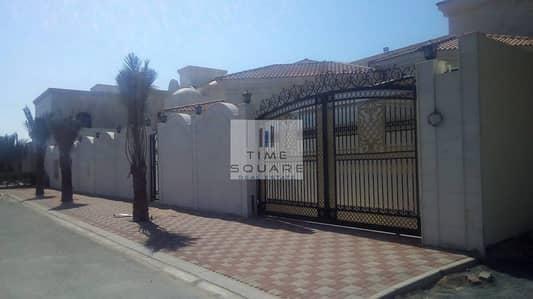 Brand new 4 bed villa in Al Barsha south