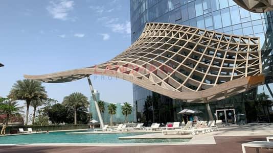 شقة 1 غرفة نوم للايجار في قرية التراث، دبي - Hot Offer | High Floor One BR | Creek View | Fully Furnished