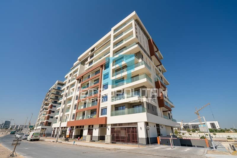 1 Brand New| Canal View | Big Balcony| Spacious Layout