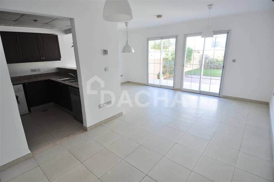 2 PRIVATE / Upgr. To 2Br / Vacant 10th Apr