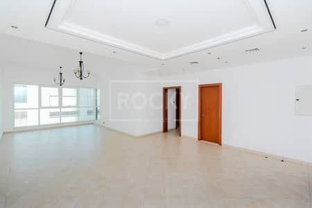 شقة 2 غرفة نوم للايجار في شارع الشيخ زايد، دبي - Chiller Free   2-Bed   Closed To Dubai Mall
