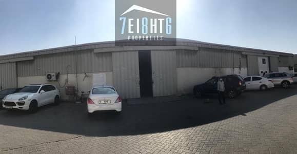 Spacious warehouse: 3