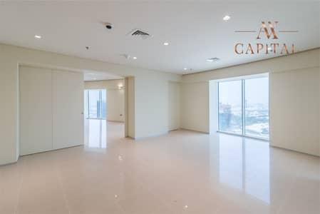فلیٹ 2 غرفة نوم للايجار في شارع الشيخ زايد، دبي - Spacious 2 Bedroom Duplex | 45 Days Free