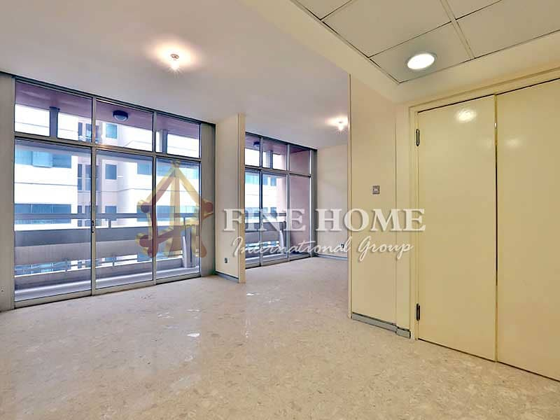 2 Extra Spacious 3BR with Balcony + Laundry Rm