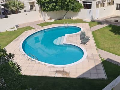 فیلا 4 غرف نوم للايجار في أم سقیم، دبي - Spacious 4 bed room villa with pool and garden for rent in Umm Suqeim 3