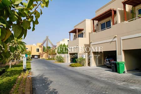 5 Bedroom Villa for Sale in Al Raha Gardens, Abu Dhabi - 5BR Villa with Pool,Corner Lot,Perfect for Family