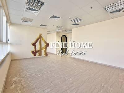مکتب  للايجار في مدينة محمد بن زايد، أبوظبي - Mezzanine Office with Spacious area + Pantry
