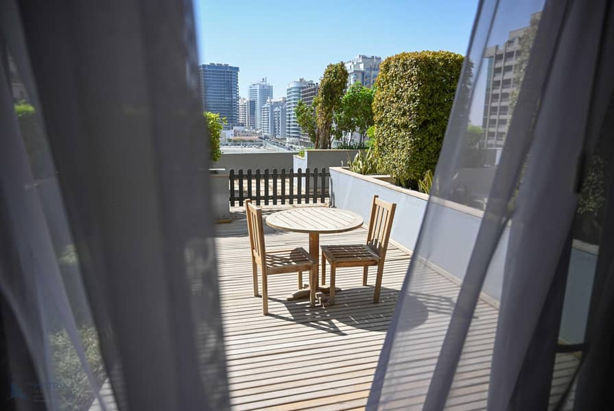 Furnished Studio with Private Terrace in Matrix