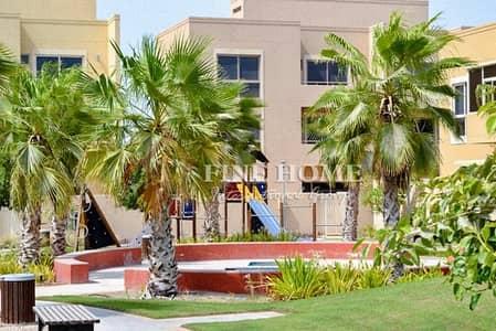 4 Bedroom Villa for Sale in Al Raha Gardens, Abu Dhabi - Corner 4BR Villa Near the Park w Full Maintenance