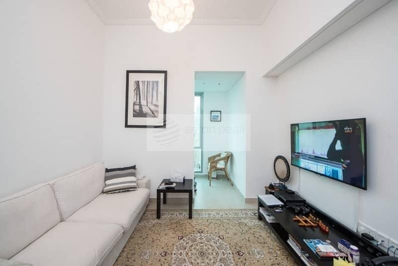 2 Exclusive    Best Layout 1 Bedroom    High Floor