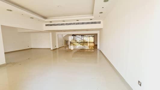 فیلا 5 غرف نوم للايجار في الخالدية، أبوظبي - Extra Ordinary w/ Lovely Garden&Spacious Majlis