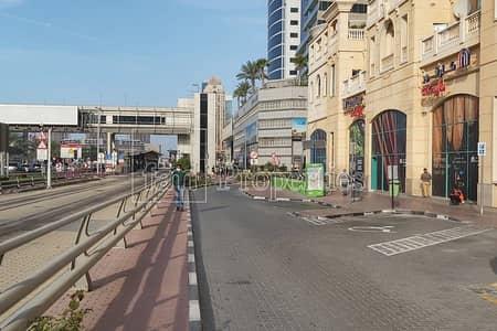 محل تجاري  للايجار في دبي مارينا، دبي - Fitted / main Road / right next to the Tram