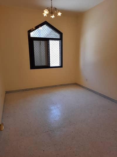 فلیٹ 1 غرفة نوم للايجار في الخالدية، أبوظبي - غرفة وصالة رائعة  للايجار شهري في الخالدية