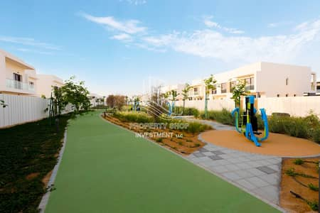 2 Bedroom Townhouse for Rent in Yas Island, Abu Dhabi - Ready To Move In | Brand New | 2 Cheques