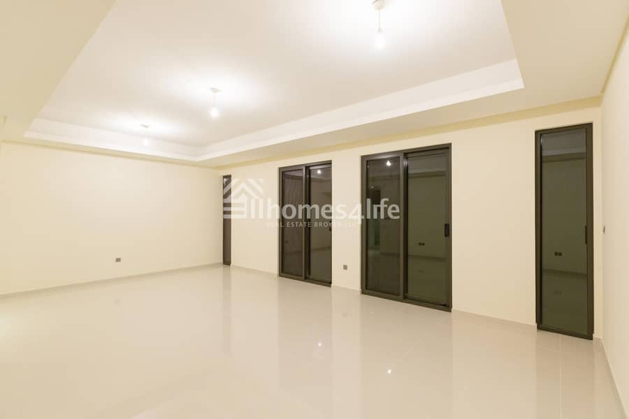 2 INVEST IN YOUR OWN 4 BEDROOM TOWNHOUSE IN DAMAC HILLS READY COMMUNITY