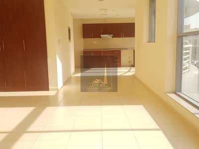 استوديو  للايجار في مجمع دبي ريزيدنس، دبي - Huge Studio in Special Price available