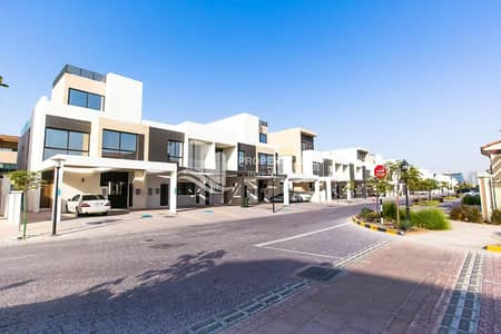 Close to city   Attractive location   Modern Layout