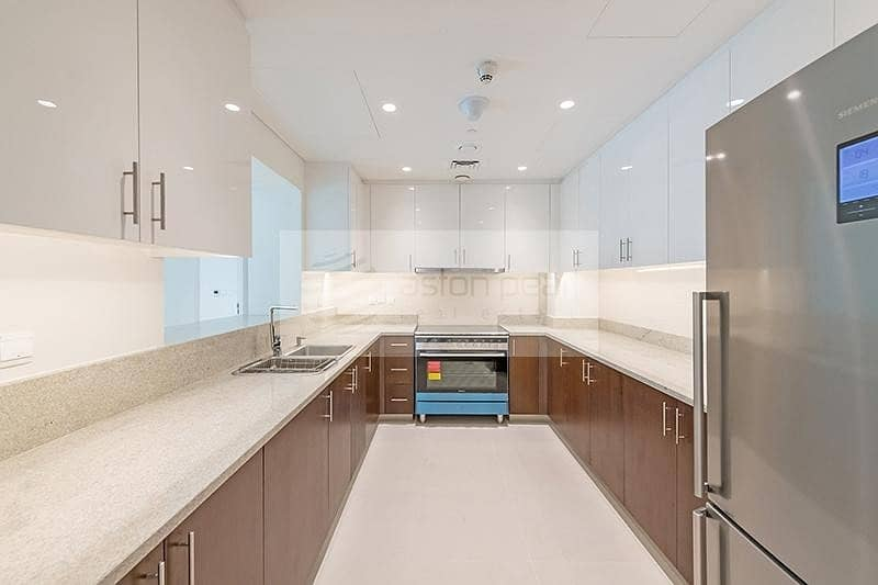 2 Modern and Spacious | Cash Seller | Middle Floor