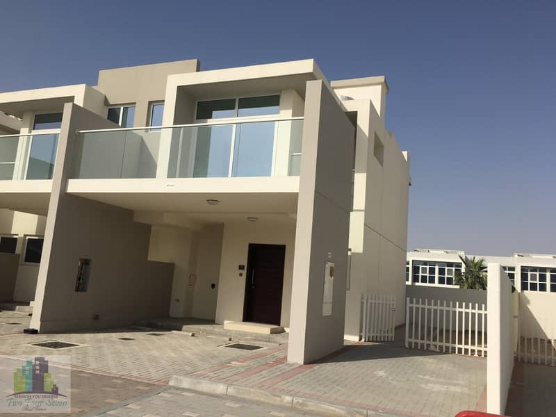 AFFORDABLE SINGLE ROW 3 BED DESERT VIEW IN AKOYA OXYGEN