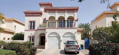 | 4 beds with study  | Type E1 Cordoba with private pool close to community cent