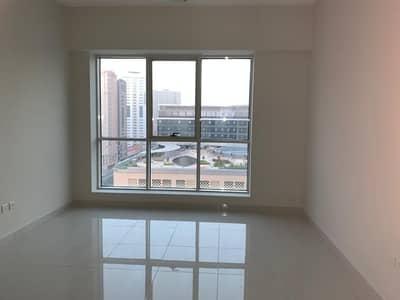 شقة 2 غرفة نوم للبيع في النهدة، الشارقة - شقة في برج صحارى 5 أبراج صحارى النهدة 2 غرف 550000 درهم - 5039418