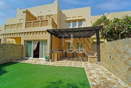 4 Bedroom Villa for Rent in The Lakes, Dubai - Fully Upgraded I Vacant I Stunning Villa