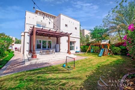 فیلا 4 غرف نوم للبيع في البحيرات، دبي - Independent 3 Bed Villa | Fully Upgraded