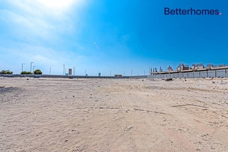 Sea View Plot | Mixed Used | 2B + 2P + 10 Floors