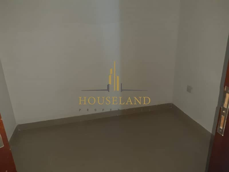 2 Spacious apartment / high floor/ newly upgraded and renewed