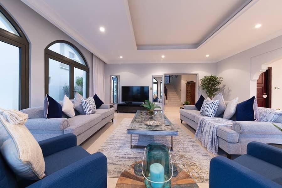 2 Palm Harbour/ Luxury Furnishings
