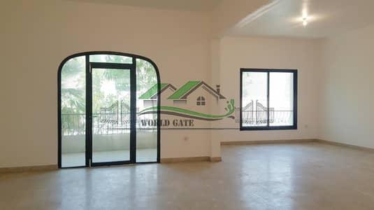 فیلا 4 غرف نوم للايجار في الخالدية، أبوظبي - Huge 4 BEDROOM + Maid-Room Villa ! with garden and Private Garage