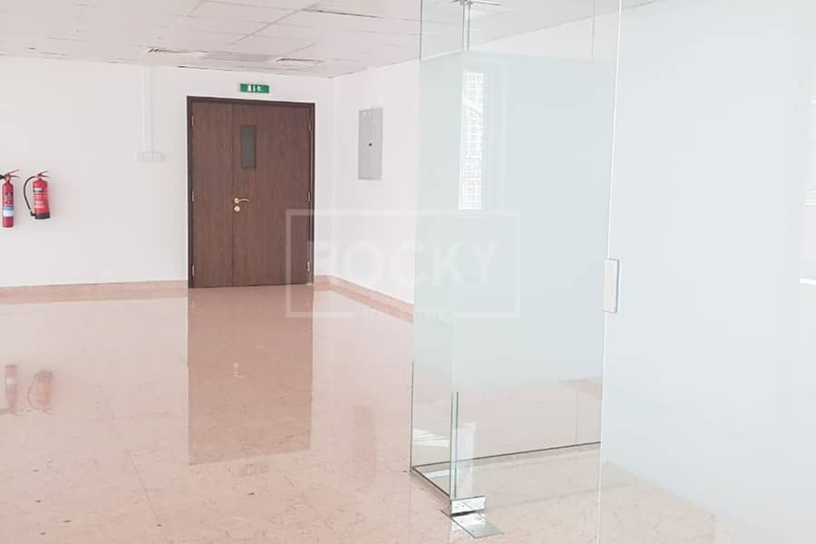 2 Spacious   Fitted Office   with Pantry   Aspect Tower