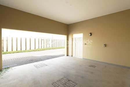 3 Bedroom Townhouse for Sale in Al Raha Gardens, Abu Dhabi - Invest Or Own This Charming & Cozy Townhouse