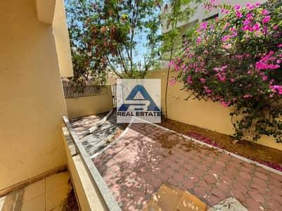 فیلا 3 غرف نوم للايجار في البطين، أبوظبي - Three Bedrooms Villa in Bateen with Front & Back Yard