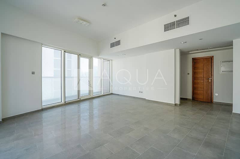 Prime location/ Water view /Big layout..