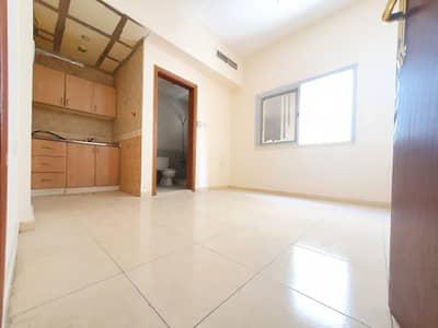 استوديو  للايجار في مويلح، الشارقة - شقة في مبنى مويلح مويلح 11000 درهم - 5042086