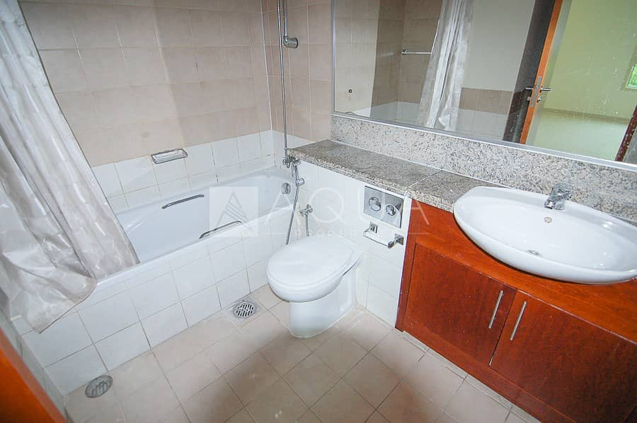 10 Well maintained | Chiller free | Book now