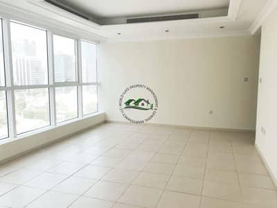 فلیٹ 3 غرف نوم للايجار في الخالدية، أبوظبي - Full Sea View ! 3 Master Bedroom ! with Maid Room & Parking