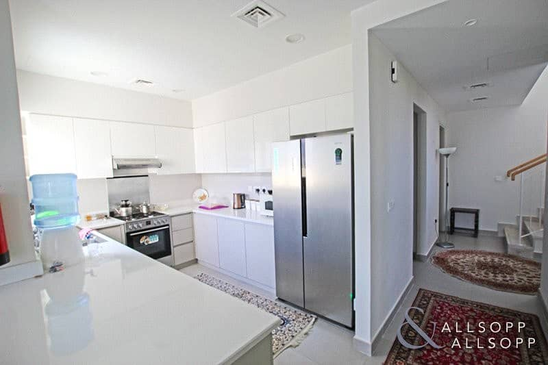 2 Best Location | 4 Bed | Single Row | 2E