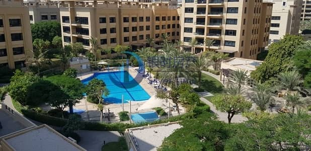 3 Bedroom Flat for Rent in The Greens, Dubai - Cheapest price ground floor with courtyard.