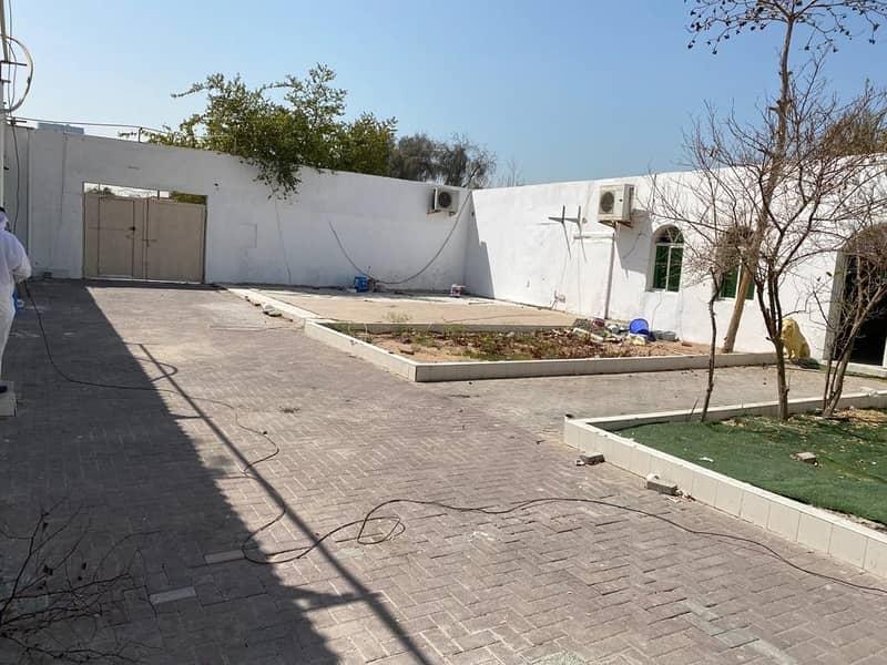Very nice villa in Al Mankhool Single story [13bedroom+4hall+big garden+parking 15 bath room