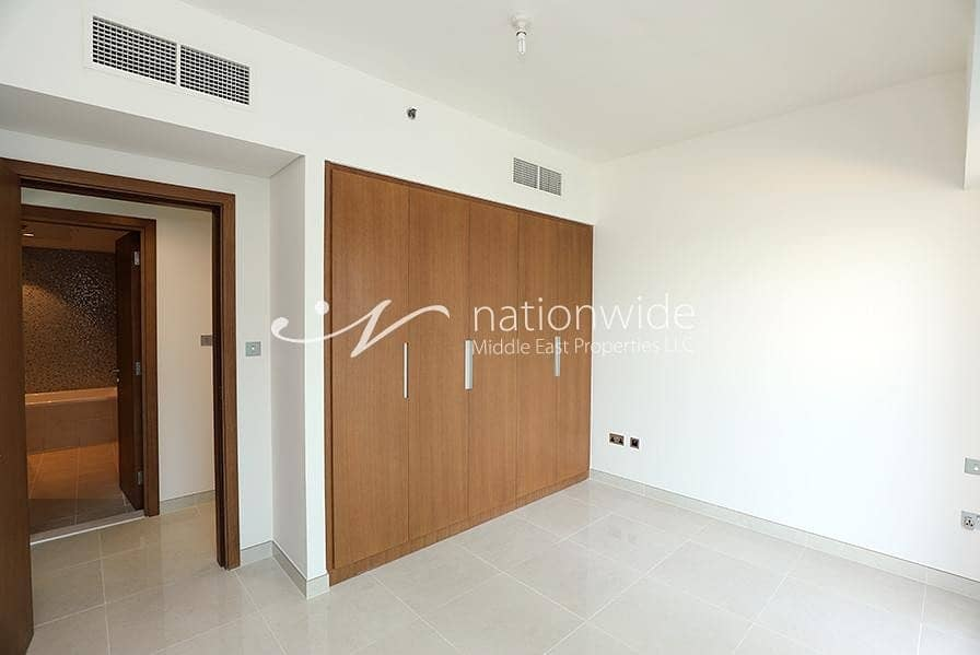 12 A Full Sea View Apartment with Rent Refund