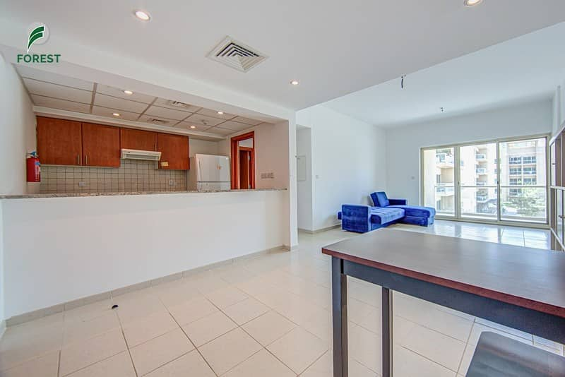 2 Stunning  Unit   1 Bed   Finest Pool View   Vacant