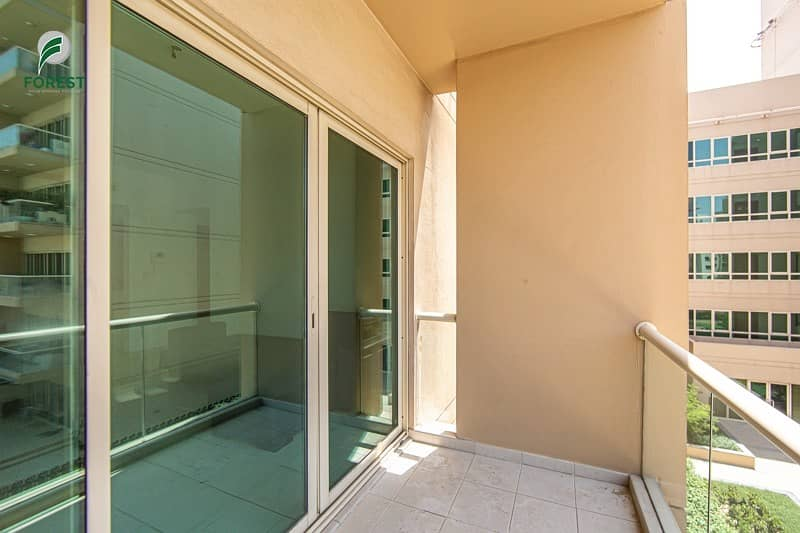 18 Stunning  Unit   1 Bed   Finest Pool View   Vacant