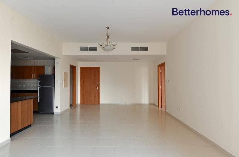 Huge 1BR Apartment Jumeirah Village Circle