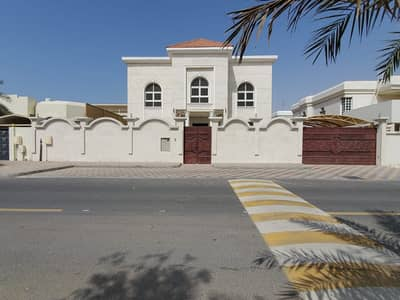 6 Bedroom Villa for Sale in Al Goaz, Sharjah - For Sale in Sharjah / Al Quoz (Wasit Suburb) New villa first inhabitant
